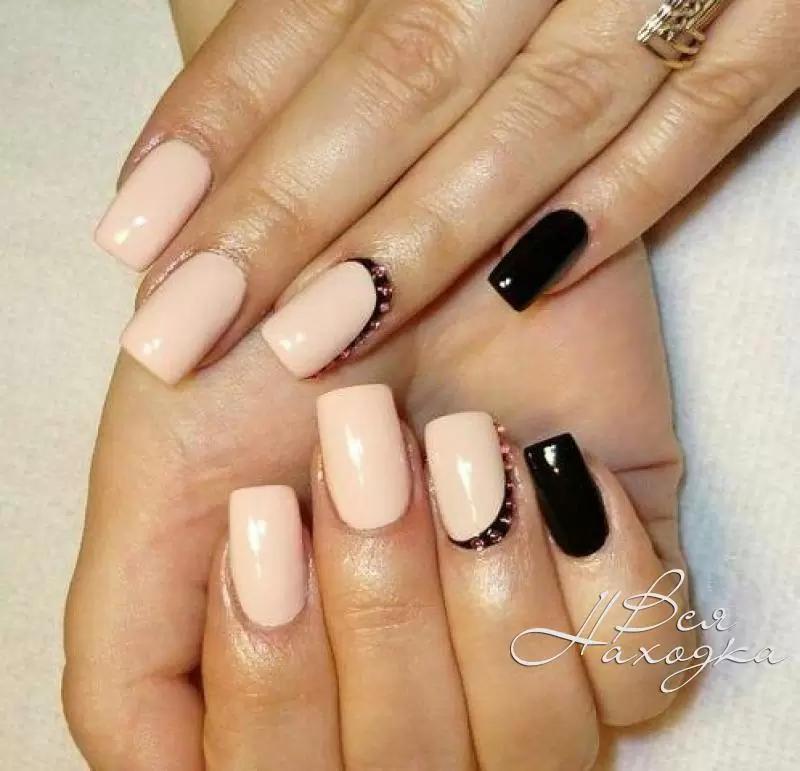 Фото бежевого дизайна ногтей