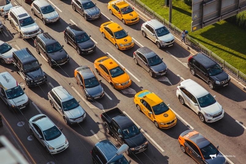 Во Владивостоке запретят парковаться у дороги на проспекте Красного знамени