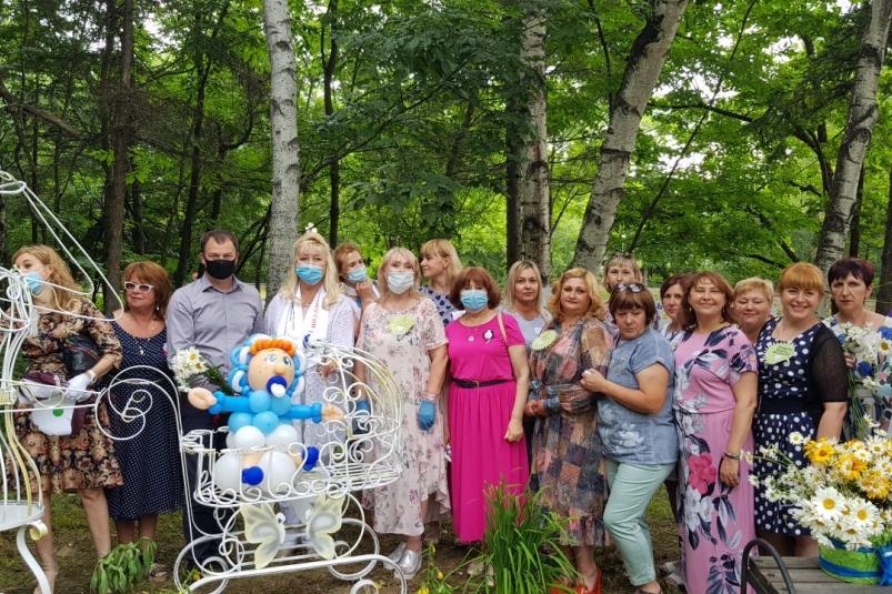 В Партизанске установили скульптуру, посвященную матерям города