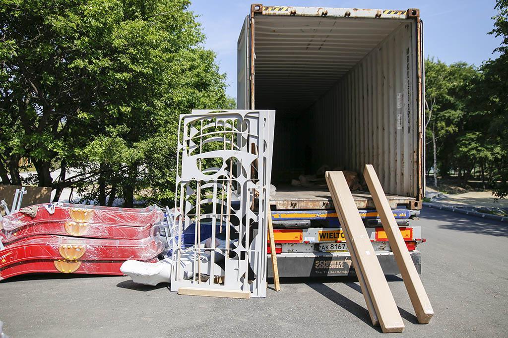 Национальные проекты: первые контейнеры с оборудованием для городского парка прибыли в Находку