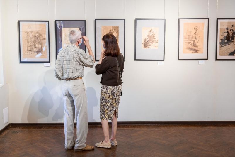Во Владивостоке открылась выставка Кирилла Шебеко