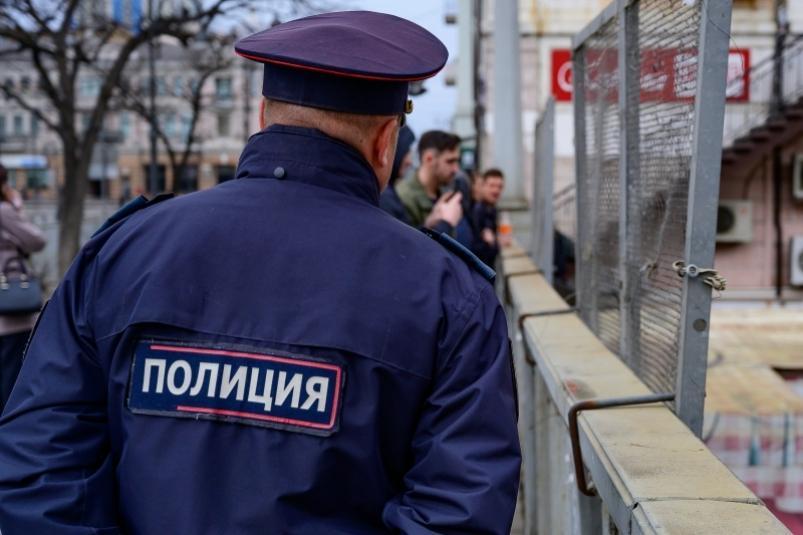 Бывший полицейский пойдет под суд в Приморье за получение взятки