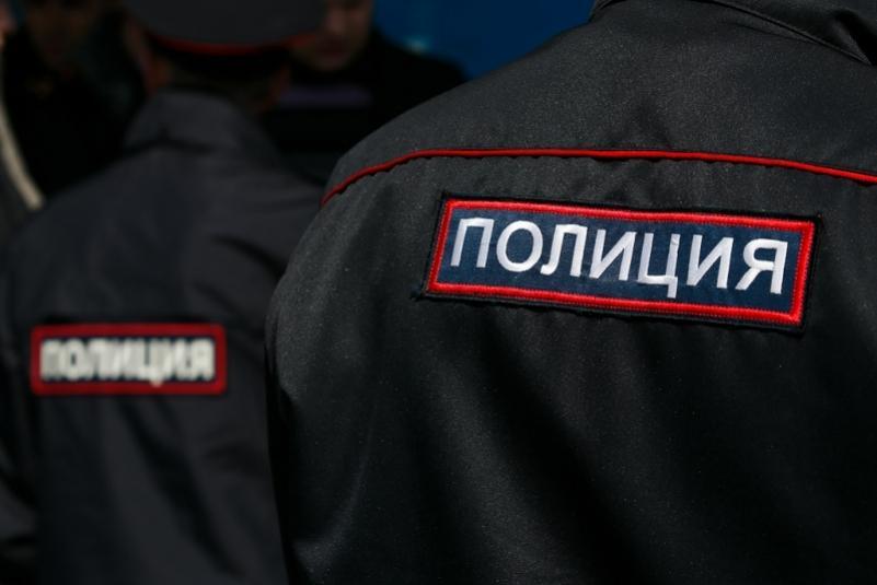 Угрожали вызовом группы захвата. Лжеполицейские пойдут под суд в Приморье
