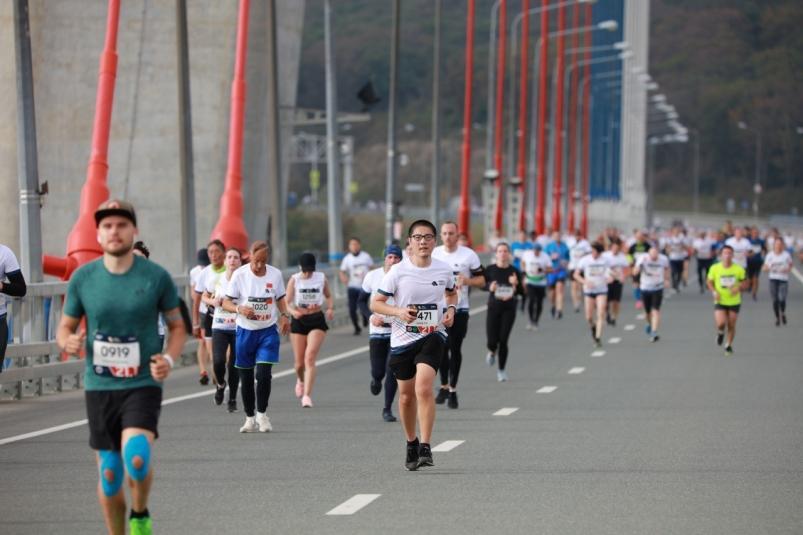 Больше тысячи: поклонники бега регистрируются на юбилейный V Galaxy Vladivostok Marathon