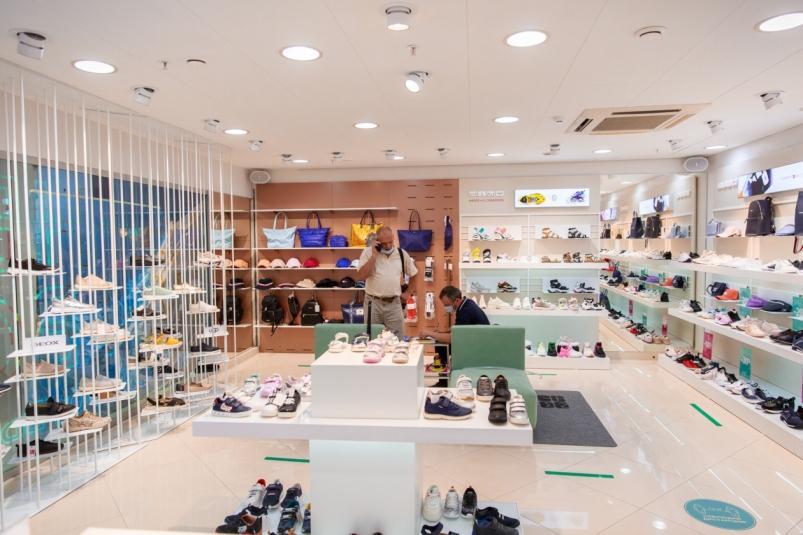Как во Владивостоке работают магазины обуви во время ограничений из-за коронавируса