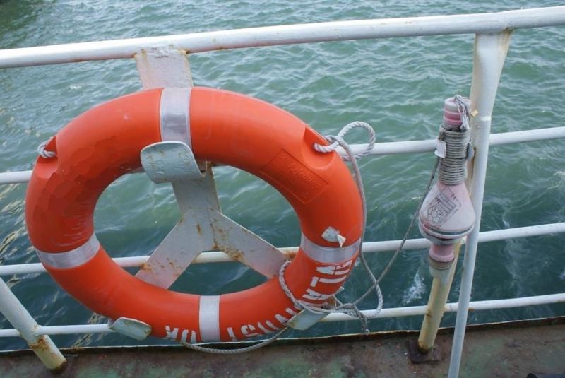 Рыболовецкое судно затонуло у острова Попова во Владивостоке, экипажу удалось спастись