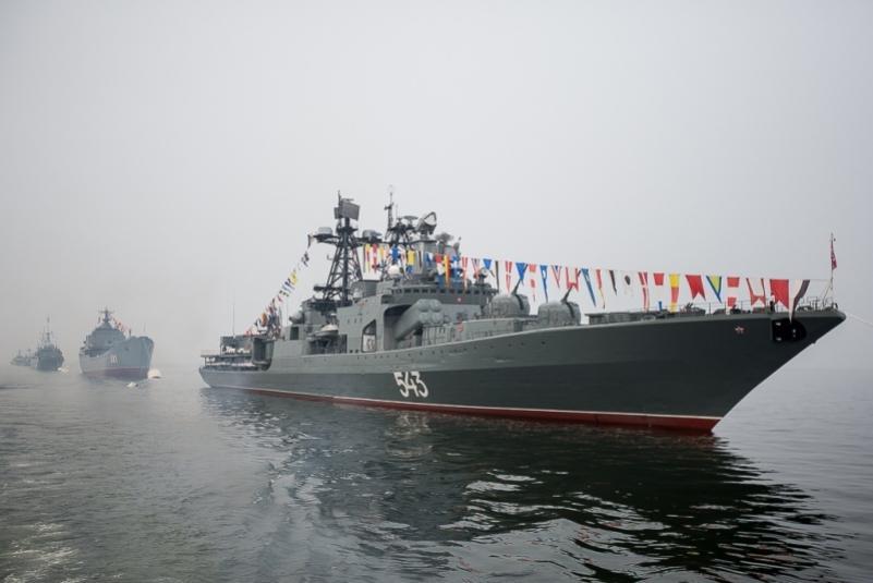На День ВМФ в Приморье праздник отменяется, но пройдет парад кораблей в бухте Золотой рог