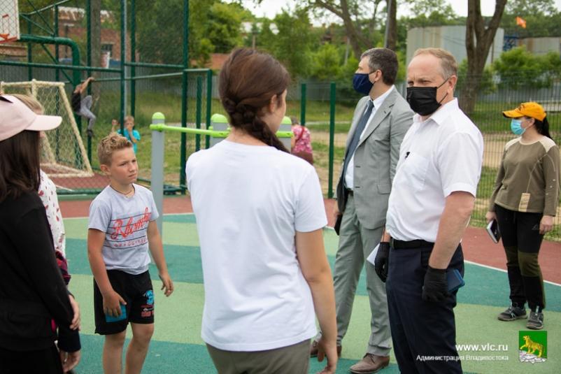 Отремонтированные дворы становятся местом притяжения для жителей - Олег Гуменюк