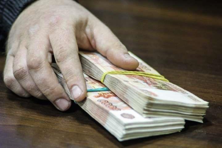 В Находке вынесен обвинительный приговор бывшему сотруднику департамента лицензирования и торговли Приморского края