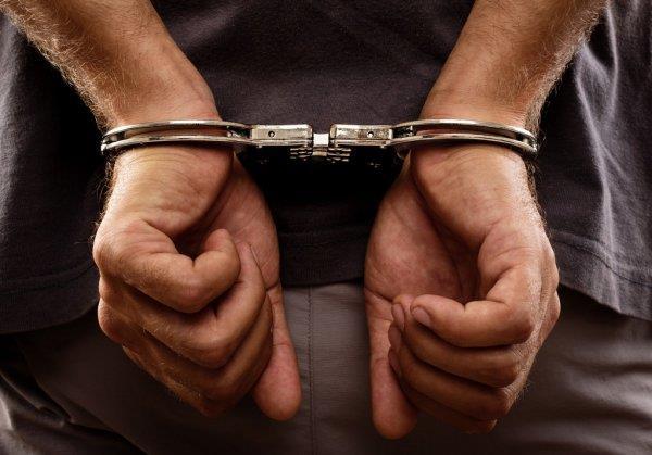 Сотрудники уголовного розыска задержали подозреваемого в нанесении ножевого ранения жителю Находки